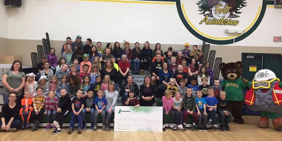 LaFarge makes donation to Fort School